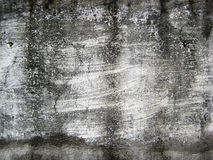 El blanco agrietado coloreó la pared expuesta a la textura de las formas del aire abierto Foto de archivo libre de regalías