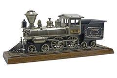 El blanco aisló el modelo locomotor antiguo del tren Fotos de archivo