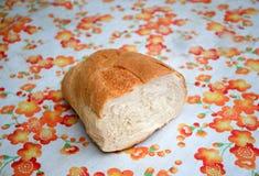 El bocadillo con un pedazo de pan grande Imagen de archivo
