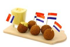 El bocado holandés tradicional llamado bitterballen imagen de archivo libre de regalías