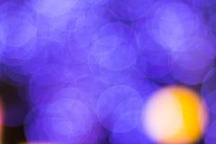 El bokeh ligero de la noche de luces adorna la Navidad y el Año Nuevo Fotografía de archivo libre de regalías