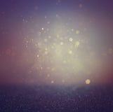 El bokeh púrpura, negro y azul marino abstracto borroso se enciende y las texturas la imagen es defocused Fotos de archivo libres de regalías