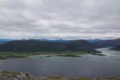 El borde del fiordo Fotos de archivo