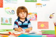 El bosquejar del niño pequeño Fotos de archivo