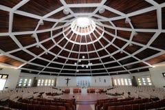El Brasil, Balneario Camboriu, 02 11 2017: Visión interior en católico fotos de archivo