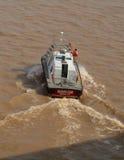 El Brasil: Piloto Boat en el río Amazonas Imagenes de archivo