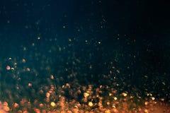 El brillar chispea en oscuridad imagen de archivo libre de regalías