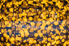 El brillar intensamente esférico del bokeh de las guirnaldas Imagen de archivo libre de regalías