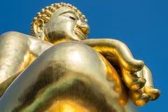 El Buda de oro en el distrito de Chiang Saen, Chiangrai Foto de archivo