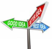 El buen mejor mejor 3 flechas de las señales de tráfico elige la dirección Foto de archivo libre de regalías