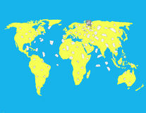 El buzón envía letras en el mapa del mundo Imagen de archivo