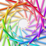 El círculo de los lápices coloreados de los creyones Imagenes de archivo