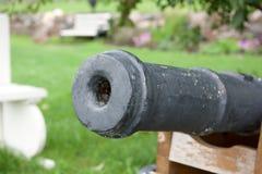 El cañón viejo en la fortaleza de Korela Imagen de archivo libre de regalías