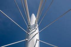 El cable permanecía el puente Fotografía de archivo