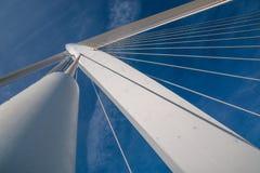 El cable permanecía el puente Foto de archivo