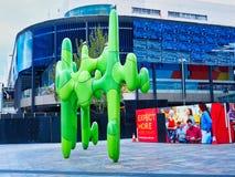 El cactus, escultura verde moderna, Perth CBD, Australia occidental imagenes de archivo