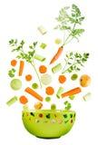 El caer clasificada de las verduras frescas Fotos de archivo