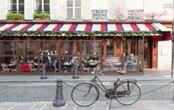 El café francés tradicional Le Bonoparte situado en el bulevar de St Germain Fotos de archivo