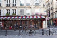 El café francés tradicional Le Bonoparte situado en el bulevar de St Germain Imágenes de archivo libres de regalías