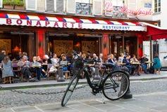El café francés tradicional Le Bonoparte situado en el bulevar de St Germain Imagenes de archivo