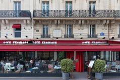 El café parisiense tradicional Francais, París, Francia Imagen de archivo libre de regalías