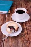 El café y pica las empanadas imagenes de archivo