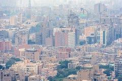 11/18/2018 El Cairo, Egipto, vista panorámica de la central y de la pieza del negocio de la ciudad de la plataforma de observació foto de archivo libre de regalías