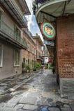 El callejón del pirata en el LA de New Orleans Foto de archivo libre de regalías