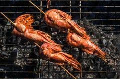 El camarón asó a la parrilla los mariscos del Bbq en la estufa, comida Fotos de archivo libres de regalías