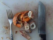 El camarón y el calamar fueron asados a la parrilla Imagen de archivo libre de regalías