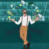 El camarero del inconformista hábilmente hace juegos malabares las botellas Fotografía de archivo libre de regalías