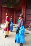El cambio de la ceremonia de los guardias en el complejo del palacio de Gyeongbokgung en Seul, Corea Imagen de archivo