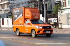 El camión logístico expreso de Kerry foto de archivo