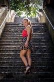 El caminar abajo de las escaleras Fotografía de archivo libre de regalías