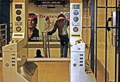 El caminar abajo a la estación de metro Imágenes de archivo libres de regalías