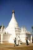 El caminar alrededor de pagoda Foto de archivo libre de regalías