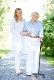 El caminar con el paciente Imagen de archivo libre de regalías