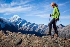 El caminar de la montaña Fotografía de archivo libre de regalías