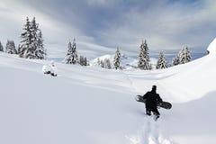 El caminar de la snowboard Fotografía de archivo libre de regalías