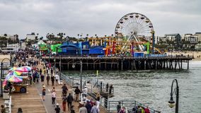 El caminar de Santa Monica Pier-People metrajes