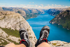 El caminar del fiordo de Noruega Foto de archivo libre de regalías