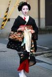 El caminar del geisha Foto de archivo libre de regalías