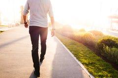 El caminar del hombre imágenes de archivo libres de regalías