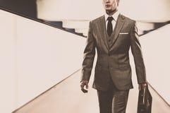 El caminar del hombre de negocios Imagen de archivo