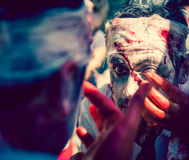El caminar del zombi Imagen de archivo