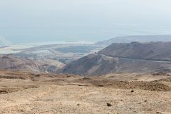 El caminar en área de mar muerta en Israel Imagen de archivo