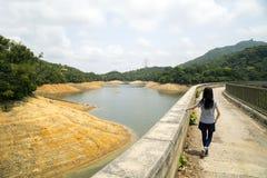 El caminar en el grupo de Kowloon de depósitos está situado en Kam Shan Country Park, Hong Kong Fotos de archivo libres de regalías