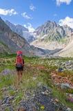 El caminar en las montañas de Georgia Fotos de archivo libres de regalías