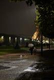 El caminar en París fotografía de archivo libre de regalías