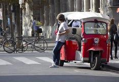 El caminar en París Fotografía de archivo